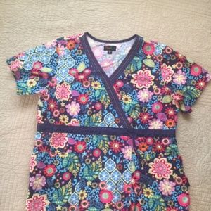 PEACHES scrub top size XL, uniques stitching